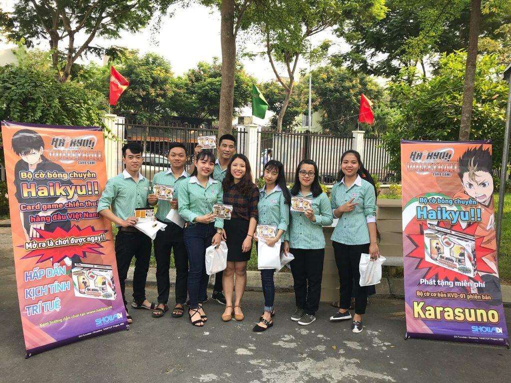 Phát tặng bộ cờ bóng chuyền tại đại học Đông Á