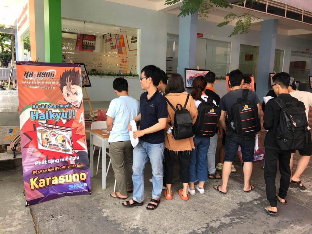 Phát tặng bộ cờ bóng chuyền Haikyu!! ở đại học FPT Đà Nẵng